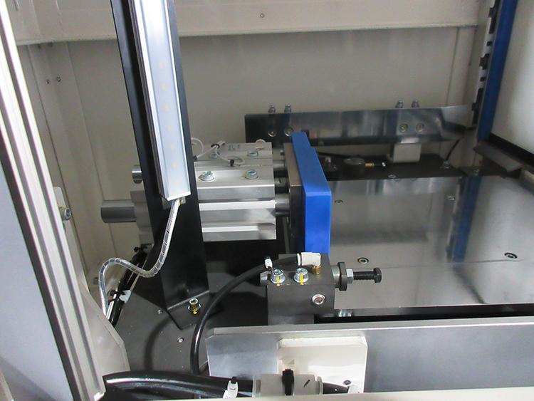 レーザー刻印機